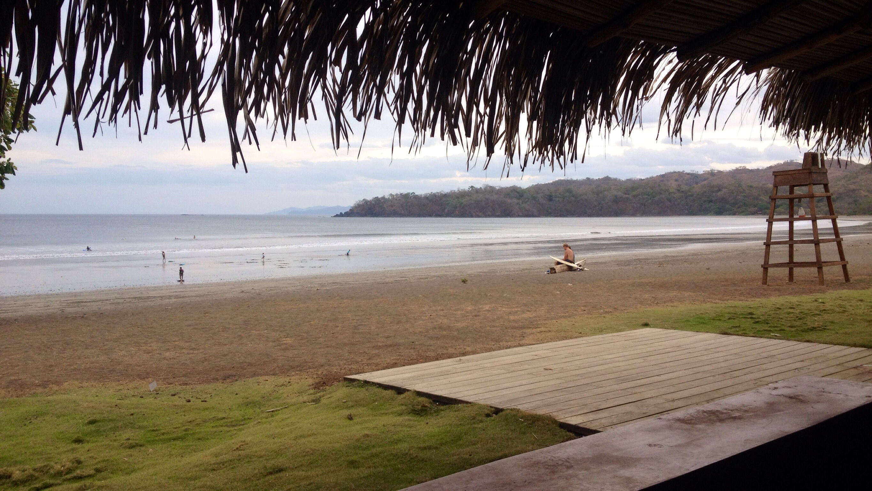 Blick von der Surfbar auf Playa Venao