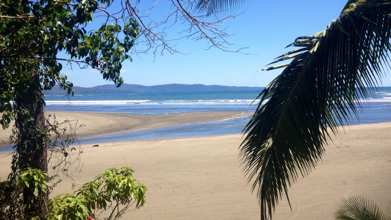 Blick vom Hostel Santa Catalina Surf Point Mama Ines auf die Playa Estero