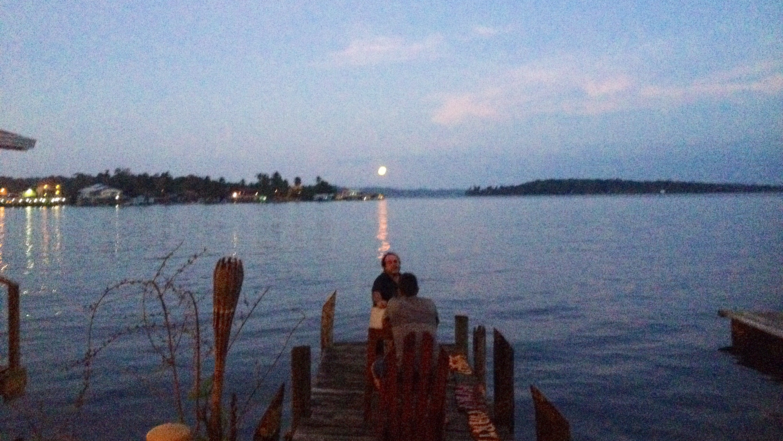 Mondaufgang in Bocas del Toro